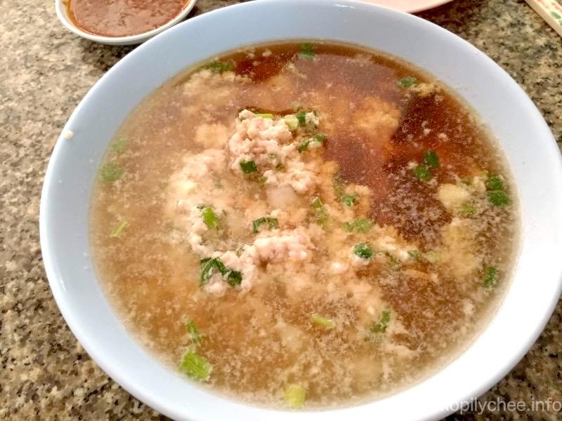 【ピッサヌローク】豚サテとバミーが美味しい!60年続く老舗の「Noodles favorable」