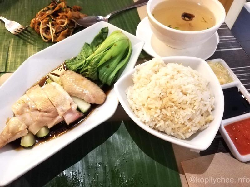 【マニラ】何度も通ってしまった!美味しい東南アジア料理レストラン「バナナリーフ」
